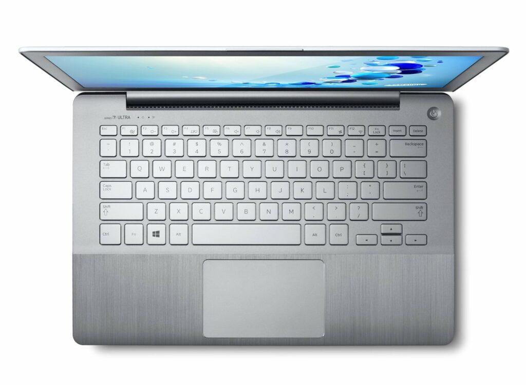 Samsung NP730U3E-S03DE